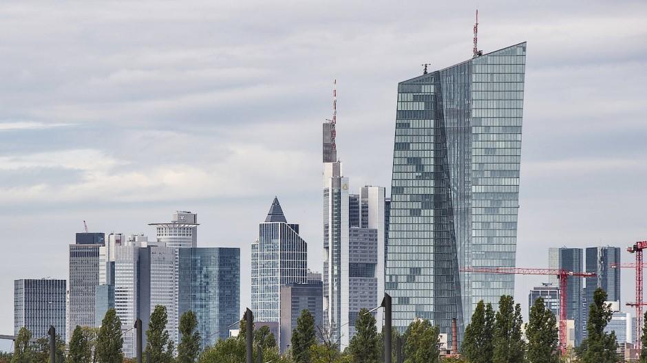 Die Frankfurter Bankentürme: Noch ist die Corona-Krise in den Bilanzen nicht ausgestanden.