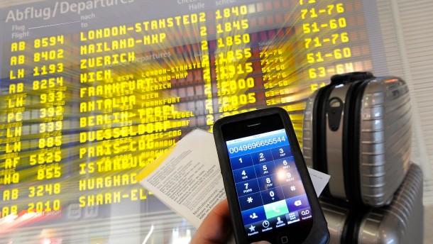 EU will Handy-Gebühren im Ausland senken