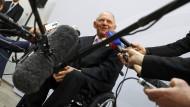 Gefragter Mann und wichtiger Vertreter Deutschlands: Finanzminister Wolfgang Schäuble ist Gastgeber der G-20 in Baden-Baden.