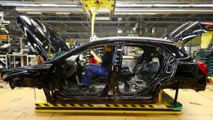 Chinesen wollen mehr Mercedes fahren