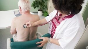 """Ärzte machen Patienten """"kränker"""" als sie sind"""