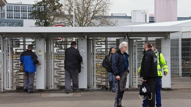 Bundesregierung verteidigt Opel-Arbeitsplätze