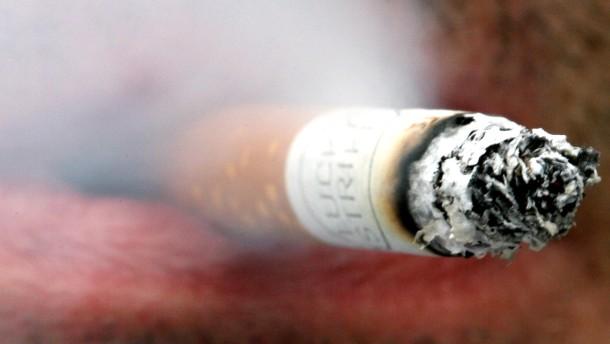 Händler hamstern Zigaretten