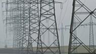 Angebot und Nachfrage von Strom müssen stets im Gleichgewicht sein, damit die Netzbelastung stabil bleibt.