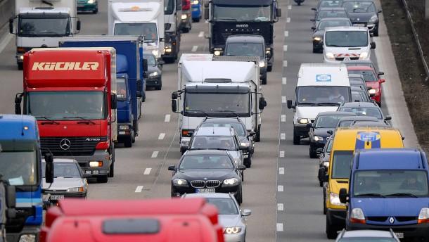 Deutsche kaufen viel mehr Autos