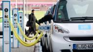 Die Elektromobilität kommt bei den Beschäftigten an
