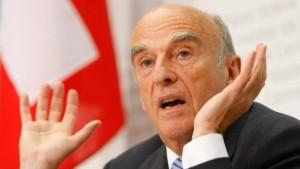 Steuerflucht in die Schweiz wird riskanter