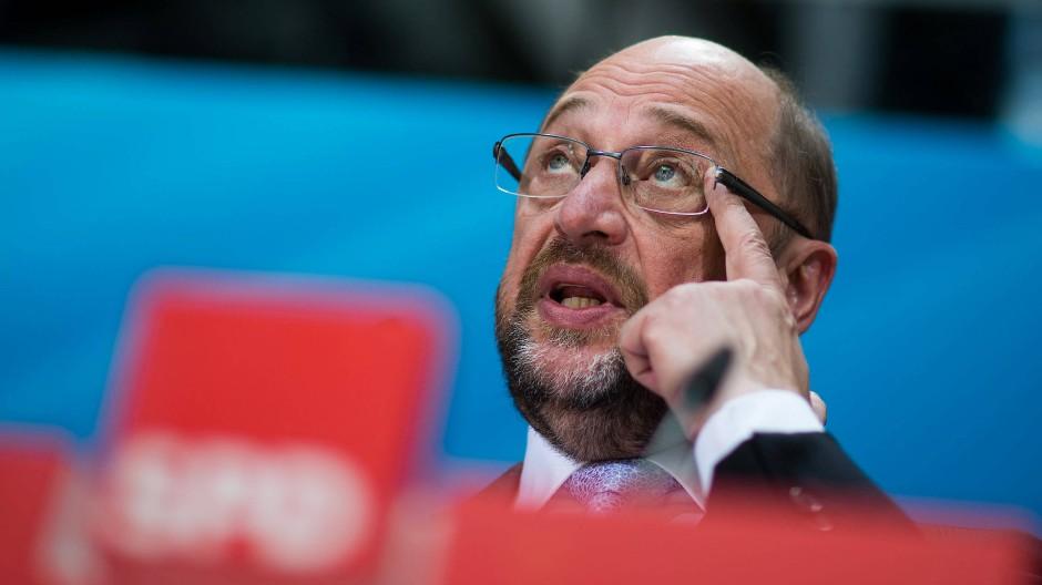 Kann er der Kanzlerin noch einmal gefährlich werden? Martin Schulz stellt gerade sein Rentenkonzept vor.