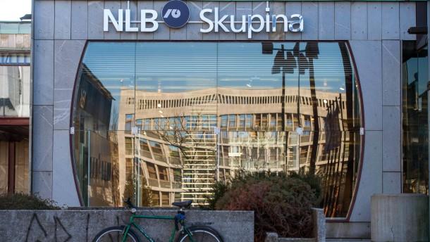 Größte slowenische Bank streicht Stellen