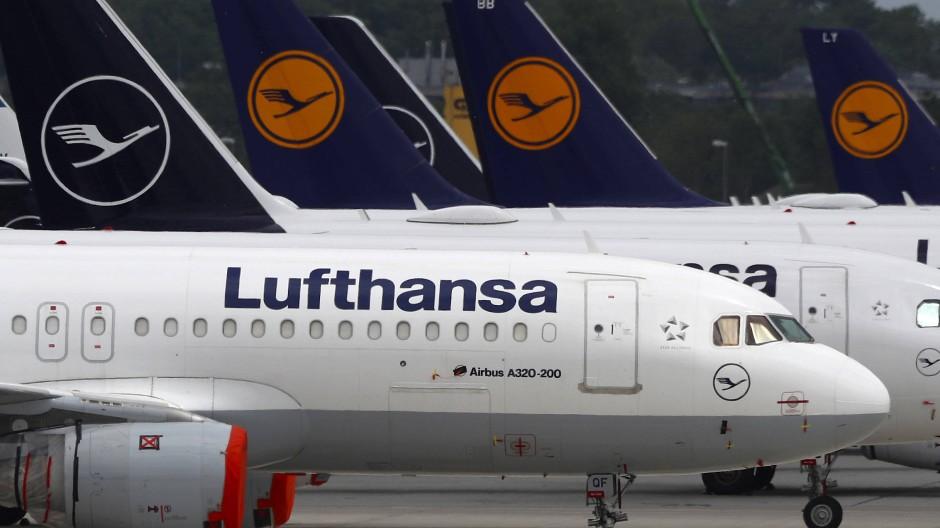 Der Aufsichtsrat der Lufthansa hat den Auflagen der Regierung zum Rettungspaket zugestimmt – die Aktionäre entscheiden Ende des Monats.