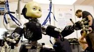 Warum Roboter uns doch nicht so viele Stellen klauen