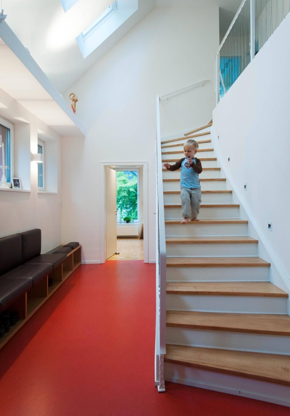 bildergalerie bildergalerie haus bletgen ein haus sieht rot bild 5 von 9 faz. Black Bedroom Furniture Sets. Home Design Ideas