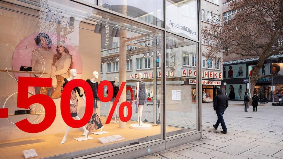 """Nicht viel los: Auf der Einkaufsmeile """"Zeil"""" in Frankfurt"""