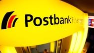 Die Postbank ist seit dem Jahr 2015 eine hundertprozentige Tochtergesellschaft der Deutschen Bank.