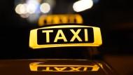 Auch Taxifahrer müssen künftig Gurt anlegen