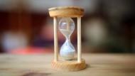 Zeit ist Geld, heißt es so schön: Bei Zeitwertkonten gilt das sozusagen im wahrsten Sinne des Wortes.