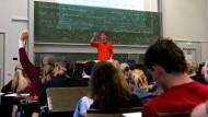 Student vor Studenten: Mentoren sollen nicht nur lehren, sondern auch lernen.