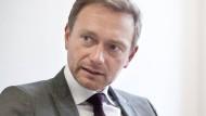 """""""Deutschland ist gegenwärtig nicht entscheidungsfähig"""", sagt FDP-Chef Christian Lindner im Gespräch mit der Frankfurter Allgemeinen Zeitung."""