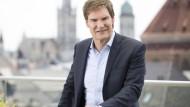 """Nicht zum ersten Mal: Maschmeyer suchte bereits in der TV-Show """"Die Höhle der Löwen"""" nach geeigneten Unternehmensgründern."""