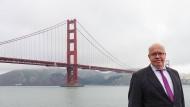 Peter Altmaier vor der Golden Gate Bridge