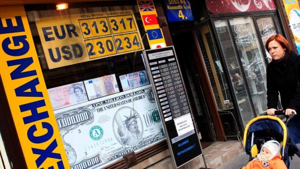 Ungarn auf Ramsch-Niveau herabgestuft