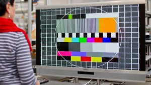 Umsätze mit TV-Werbung schrumpfen erstmals