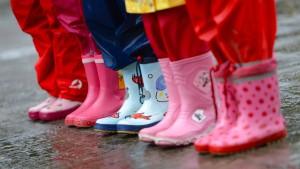 Koalition erhöht Kindergeld um 6 Euro