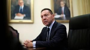 Stournaras: Mit Drachme würde Griechenland wie Nordkorea