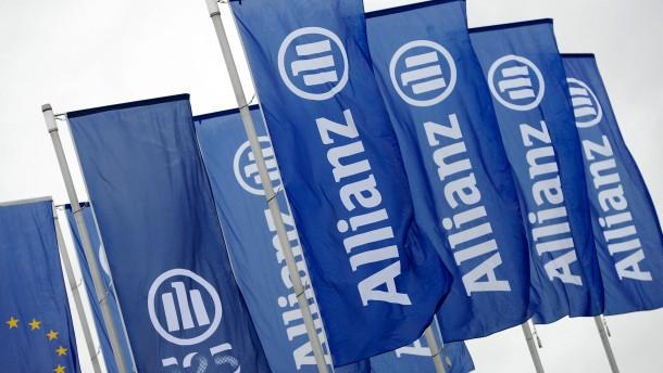 Allianz muss wegen Unwettern Gewinnrückgang hinnehmen