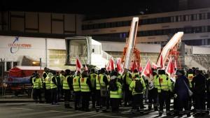 Streiks sorgen für Flugausfälle in Hamburg