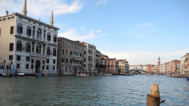 Italien beschließt Abschaffung umstrittener Immobiliensteuer