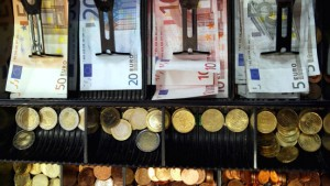 Steuereinnahmen steigen noch 5,6 Prozent mehr