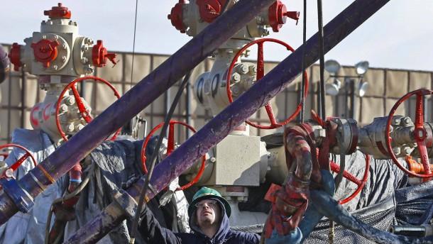 Weltgrößter Bergbaukonzern schließt erste Schieferölanlagen