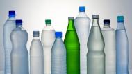 Plastikflasche, Glasflasche, exotisch oder heimisch: Mineralwasser gibt es viele - und sie werden immer beliebter.