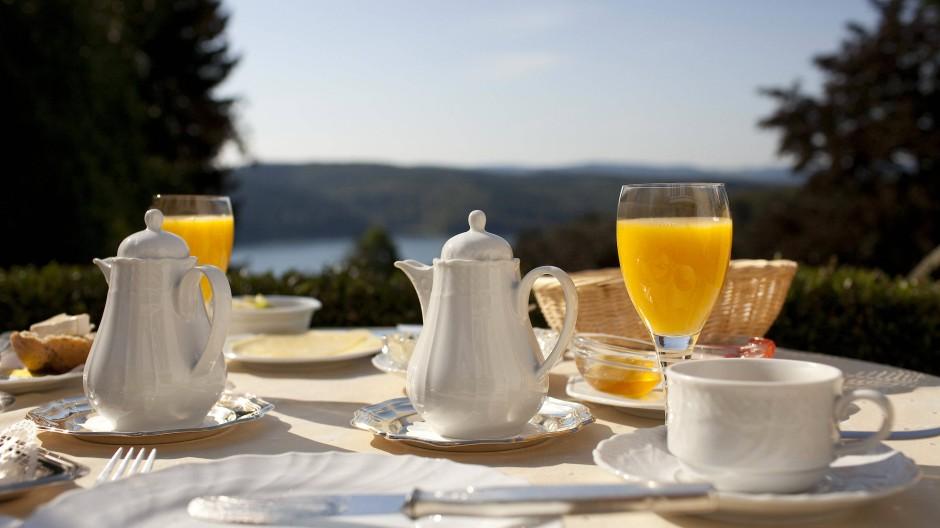 Die Tellergröße beim Frühstücksbuffet hat einen messbaren Effekt auf die Lebensmittelabfälle der Hotels.