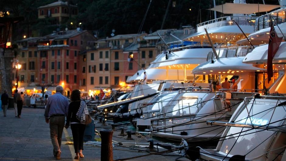Reichtum in Italien: Luxusyachten im Hafen von Portofino