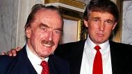 Donald Trump (rechts) im Jahr 1992 mit seinem Vater Fred.