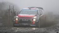Wie spricht man die Marke dieses Rally-Wagens nochmal aus?