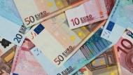 Der Finanzminister kann sich freuen - die Steuer-Euros sprudeln munter in seine Kasse.