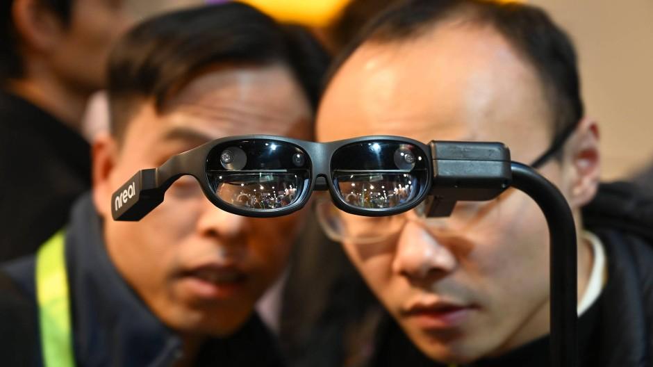 Bald nur noch in der erweiterten Realität unterwegs? Es gibt in der Tech-Branche weiterhin Visionen.