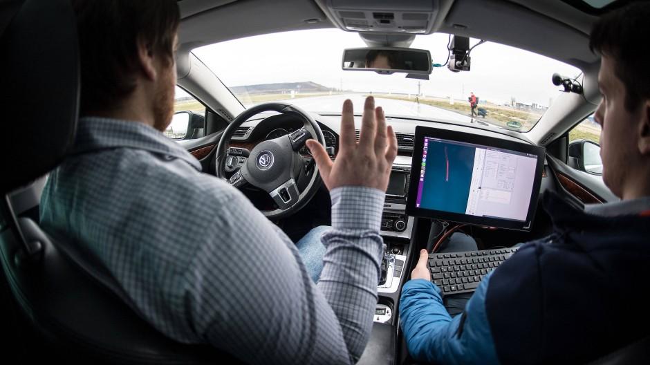 Aldenhoven in Nordrhein-Westfalen: Forscher der RWTH Aachen fahren im Self Driving Lab (Anwendungslabor für automatisierte Fahrfunktion).