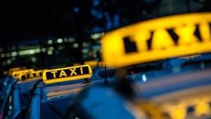 Großauftrag der Bahn geht an Taxizentralen