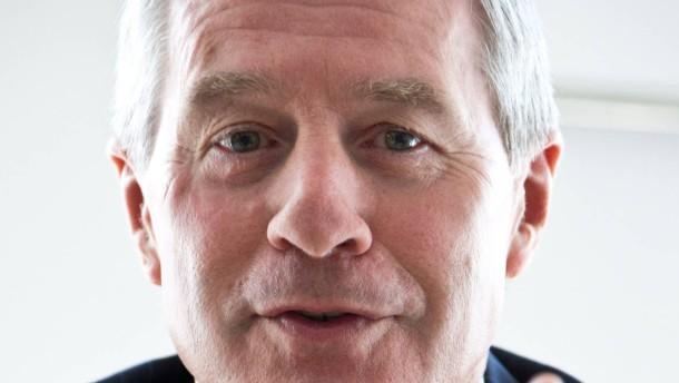 Jürgen Fitschen -  Der Co-Vorstandschef der Deutschen Bank in Frankfurt im Gespräch mit Lisa Nienhaus und Georg Meck.