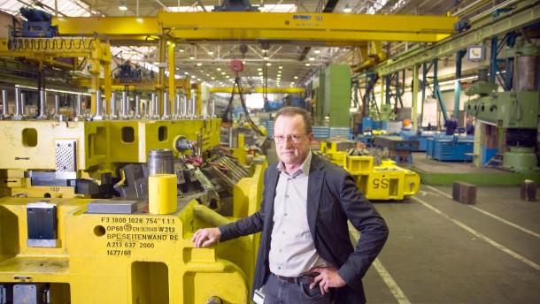 Daimler und Bosch holen die Rentner zurück