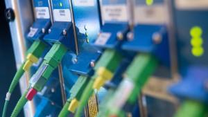 Grüne fordern härtere Strafen für Internetanbieter