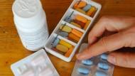 Alle Medikamente nach Plan genommen? Wenn nicht, schadet das nicht nur der Gesundheit der Patienten.