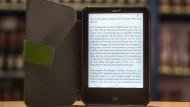 Das Lesegerät Tolino kann man heute in 1.800 von insgesamt 6.000 deutschen Buchhandlungen kaufen.