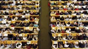 Auf die Zinsen von Studienkrediten achten