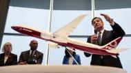 Ein Modell der neuen Boeing 777x.