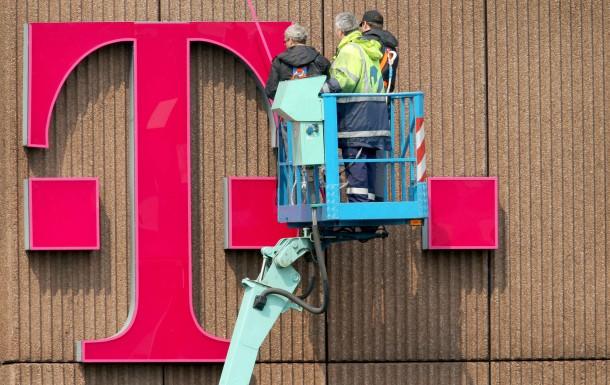 Bild Zu Tarifeinigung 50000 Telekom Deutschland Mitarbeiter